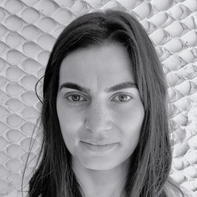MILA MOLINA